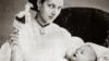 """¿Cómo se han presentado los """"royal babies"""" en el último siglo?"""