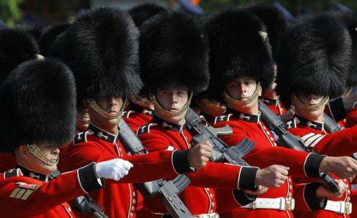 ¿Cómo surgieron los altísimos sombreros de la Guardia Galesa de Inglaterra?