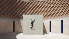 Saint Laurent compra 4.000 piezas vintage