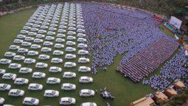 Un comerciante regala 1.260 coches y 400 pisos a sus trabajadores