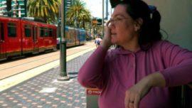 Una mujer se enamora de una estación de tren y se casa con ella