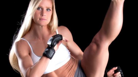 Holly Holm la boxeadora que tumbó a Ronda Rousey