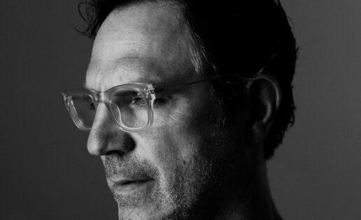 El influyente diseñador gráfico Paul Sahre