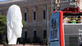 Jaume Plensa invita a la reflexión con su obra Julia