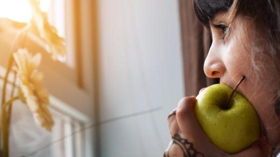 Qué es «mindful eating» y por qué calma la ansiedad por comer