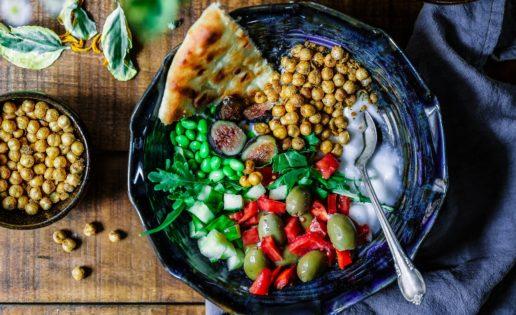 Hummus, ensalada, aperitivo y harina: recetas con garbanzos también en verano