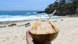 Agua de coco: la verdad sobre los beneficios de la bebida que triunfa en Instagram