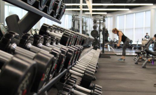 Mujer y entrenamiento de fuerza: un binomio perfectamente compatible