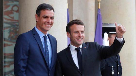 Macron, ¡dí algo del abrazo de Pedro Sánchez a Bildu y Podemos en Navarra, Baleares y Aragón!