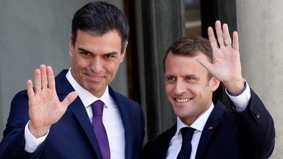 Macron toma el pelo a Pedro Sánchez, que fracasa en Europa