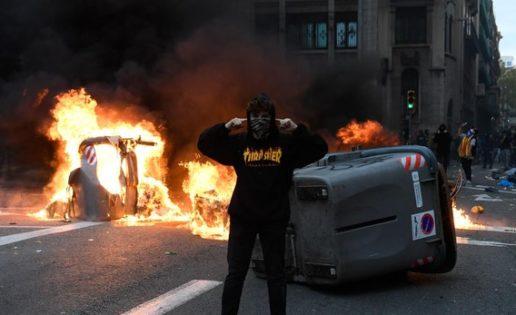 Violencia en Cataluña y sorpresa en las elecciones