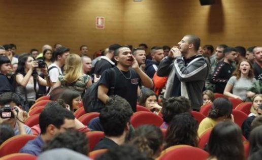 """Escrache a Pablo Iglesias, lo que tiene ser """"la casta"""""""