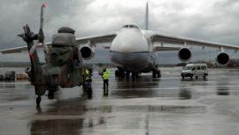 """Los tres """"Tigre"""" embarcan en el Antonov rumbo a Afganistán"""