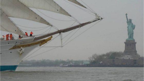 El «Juan Sebastián Elcano», en Nueva York