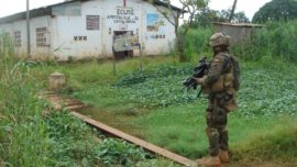 Centroafricana: militares españoles repelen un ataque contra los franceses
