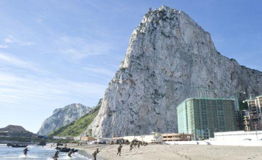 Los marines británicos desembarcan en el megaproyecto urbanístico de Gibraltar