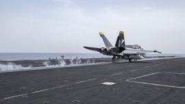 El portaaviones Harry S. Truman ataca al Daesh desde el Mediterráneo