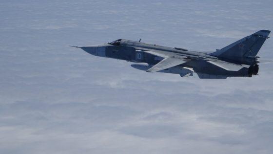 Dos cazas F-18 españoles interceptan a un avión ruso Su-24 en la misión de la OTAN en el Báltico