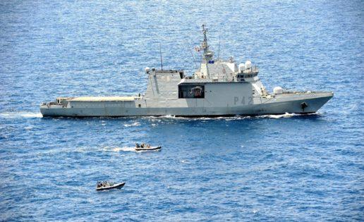 El «Rayo» zarpa de su base de Las Palmas rumbo a la operación Atalanta