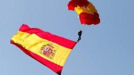 Vídeo: Así descendió la Bandera con la PAPEA