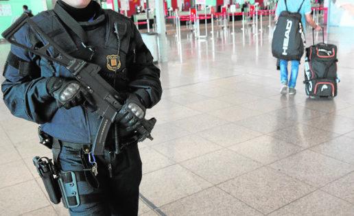 Defensa frenó la compra de la Generalitat de 850 subfusiles y fusiles de asalto y 5,4 millones de cartuchos