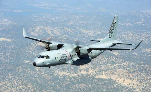 Borrell viaja a la India para impulsar la venta de 56 aviones militares de Airbus