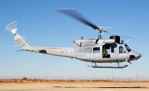 La Armada recibe otro helicóptero AB-212 modernizado: ¡volarán 60 años!