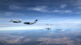 Vídeo: el repostaje de un A400M a seis cazas F-18 españoles