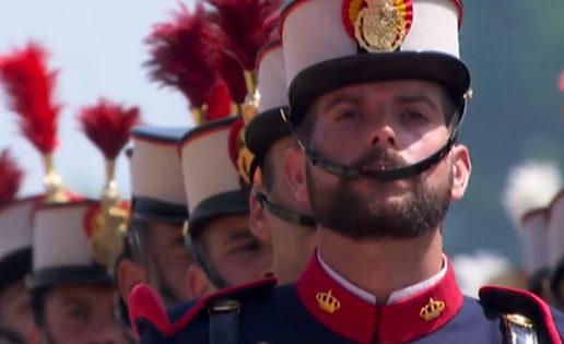 Vídeo: la misión de la Guardia Real, la unidad al servicio del Rey de España