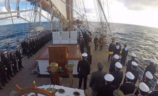 """El """"Juan Sebastián de Elcano"""" rinde tributo a los marinos argentinos del ARA """"San Juan"""""""