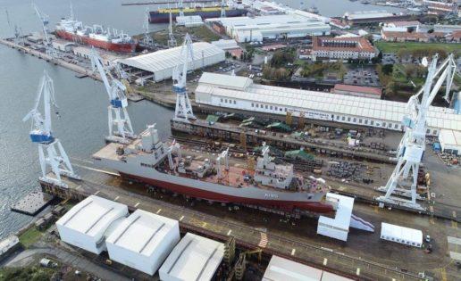 Navantia bota en Ferrol el primer AOR para Australia
