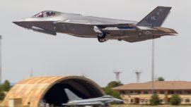 Primera toma de contacto de los cazas F-35 de EE.UU. con el curso TLP de Albacete