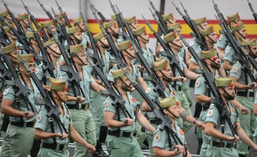 12 de Octubre, Día de la Fiesta Nacional: desfile similar en el eje próximo al Santiago Bernabéu