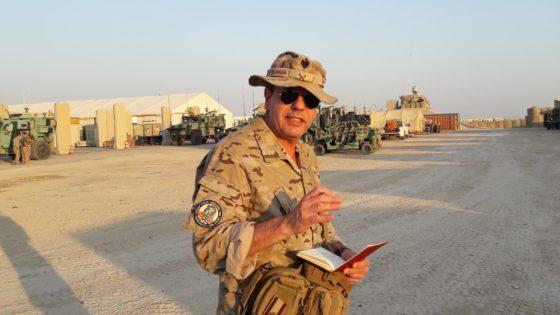 El pintor Ferrer-Dalmau viaja a Irak para esbozar la misión de las tropas españolas