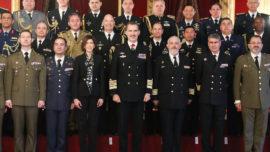 El Rey recibe a una delegación de 25 agregados militares acreditados en España