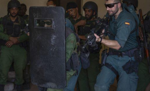 Vídeo: el GAR de la Guardia Civil adiestra a tropas mauritanas en antiterrorismo
