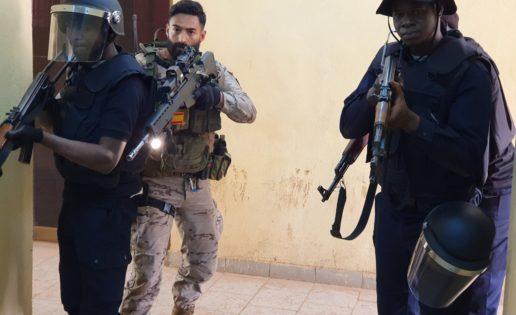 Coronavirus: España replegará «más de cien» militares de su misión en Malí