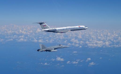 Los F-18 españoles interceptan los primeros aviones rusos en el Báltico
