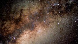 Los agujeros negros supermasivos «crean» planetas rocosos como la Tierra