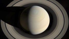 Un espectacular «aguacero» riega Saturno desde sus anillos