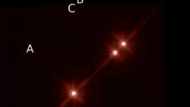 Descubren un planeta con tres soles