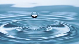 Hallan pruebas de que el agua consiste en dos tipos de líquidos