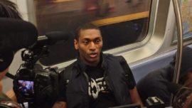 Una estrella de la NBA va en metro para jugar en el Garden