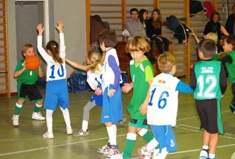 Nuevo triunfo para la Safa en voleibol femenino y B.V.M. Irlandesas en baloncesto prebenjamín