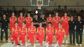 """Jota Cuspinera, entrenador de baloncesto: """"La ventaja del deporte escolar es que se realiza en el mismo lugar de tus actividades escolares"""""""