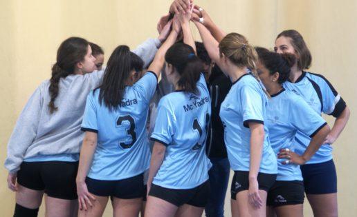 Dos equipos marianistas líderes en voleibol juvenil femenino