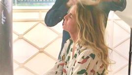 Un spray voluminizador para el pelo con resultados duraderos