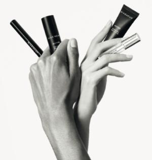 Los primeros productos de maquillaje que estamos dispuestas a compartir con ellos