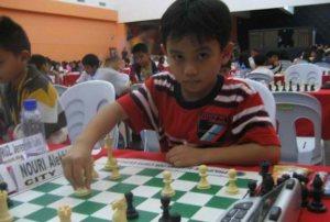 Alekhine Nouri, de siete años, el maestro más joven del mundo