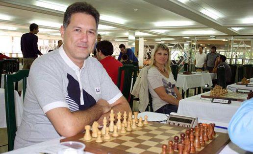 La edad ideal para jugar al ajedrez y la novena de Illescas